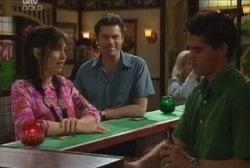 Genevieve Murdoch, Evan Hancock, Matt Hancock in Neighbours Episode 3944