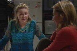 Michelle Scully, Steph Scully in Neighbours Episode 3944