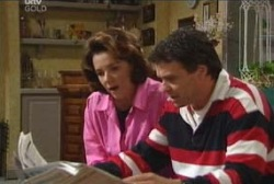 Lyn Scully, Joe Scully in Neighbours Episode 3945