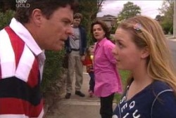 Joe Scully, Lyn Scully, Michelle Scully, Emily Hancock, Evan Hancock in Neighbours Episode 3945