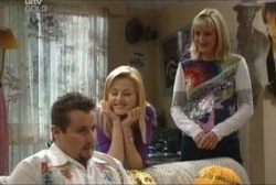 Toadie Rebecchi, Dee Bliss, Maggie Hancock in Neighbours Episode 3946