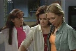 Susan Kennedy, Lyn Scully, Steph Scully in Neighbours Episode 3947