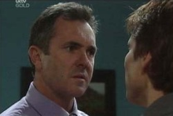 Karl Kennedy, Darcy Tyler in Neighbours Episode 3947
