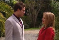 Marc Lambert, Steph Scully in Neighbours Episode 3952