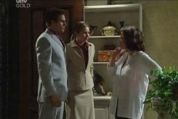 Marc Lambert, Steph Scully, Lyn Scully in Neighbours Episode 3952