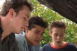 Stuart Parker, Matt Hancock, Leo Hancock in Neighbours Episode 3953