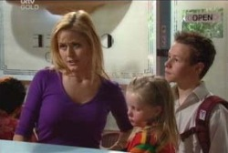 Dee Bliss, Emily Hancock, Leo Hancock in Neighbours Episode 3955