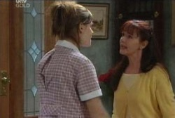 Elly Conway, Susan Kennedy in Neighbours Episode 3955