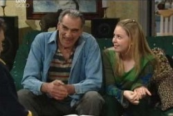 Pat Scully, Michelle Scully in Neighbours Episode 3958