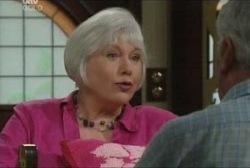 Rosie Hoyland, Lou Carpenter in Neighbours Episode 3960