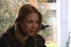 Steph Scully in Neighbours Episode 3960