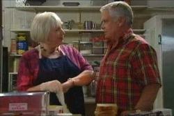 Rosie Hoyland, Lou Carpenter in Neighbours Episode 3965