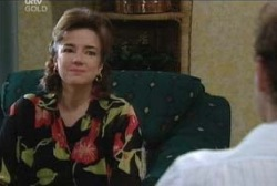 Lyn Scully in Neighbours Episode 3966