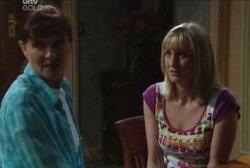 Susan Kennedy, Maggie Hancock in Neighbours Episode 3966