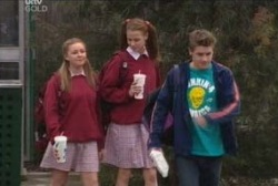 Elly Conway, Michelle Scully, Tad Reeves in Neighbours Episode 3968