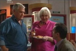 Lou Carpenter, Rosie Hoyland, Karl Kennedy in Neighbours Episode 3968