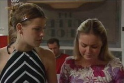 Elly Conway, Michelle Scully in Neighbours Episode 3969