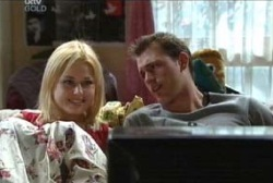 Dee Bliss, Stuart Parker in Neighbours Episode 3970