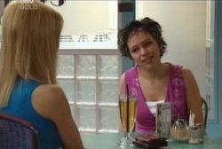 Dee Bliss, Tracey Slattery in Neighbours Episode 3972
