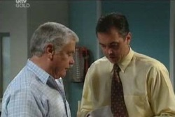 Lou Carpenter, Karl Kennedy in Neighbours Episode 3972