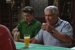 Tad Reeves, Lou Carpenter in Neighbours Episode 3973