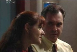 Susan Kennedy, Karl Kennedy in Neighbours Episode 3973