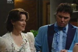 Joe Scully, Lyn Scully in Neighbours Episode 3974