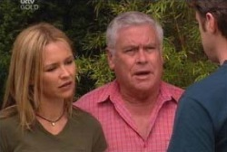 Steph Scully, Lou Carpenter, Evan Hancock in Neighbours Episode 3975