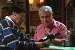 Lou Carpenter, Joe Scully in Neighbours Episode 3975