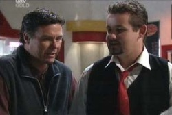 Toadie Rebecchi, Joe Scully in Neighbours Episode 3977
