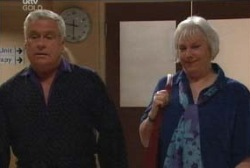 Lou Carpenter, Rosie Hoyland in Neighbours Episode 3978