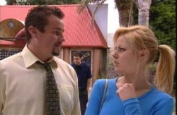Toadie Rebecchi, Dee Bliss in Neighbours Episode 3982