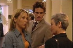 Steph Scully, Marc Lambert, Chloe Lambert in Neighbours Episode 3983
