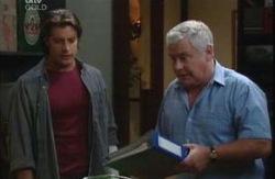 Drew Kirk, Lou Carpenter in Neighbours Episode 3983