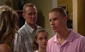Steph Scully, Max Hoyland, Summer Hoyland, Boyd Hoyland in Neighbours Episode 4766