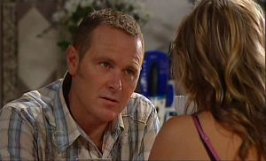 Max Hoyland, Steph Scully in Neighbours Episode 4766