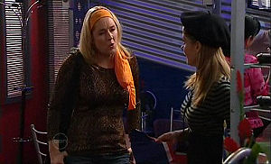 Janelle Timmins, Izzy Hoyland in Neighbours Episode 4768