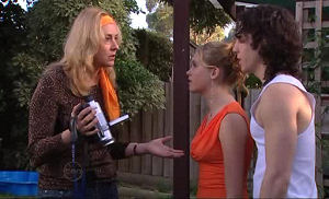 Janae Timmins, Janelle Timmins, Dylan Timmins in Neighbours Episode 4769