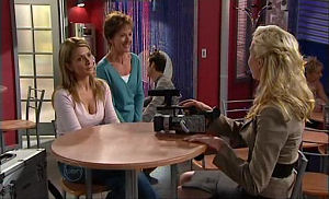 Izzy Hoyland, Susan Kennedy, Annalise Hartman in Neighbours Episode 4769