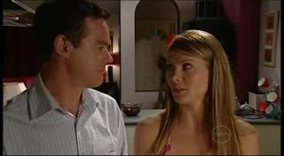 Paul Robinson, Izzy Hoyland in Neighbours Episode 4944