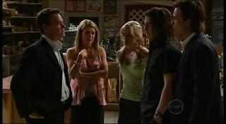 Paul Robinson, Izzy Hoyland, Elle Robinson, Dylan Timmins, Robert Robinson in Neighbours Episode 4944