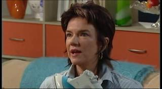Lyn Scully in Neighbours Episode 4946