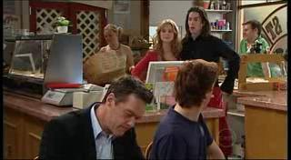 Paul Robinson, Robert Robinson, Elle Robinson, Dylan Timmins in Neighbours Episode 4947