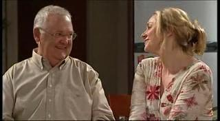 Harold Bishop, Janelle Timmins in Neighbours Episode 4949