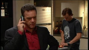 Paul Robinson, Robert Robinson in Neighbours Episode 4951