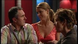 Karl Kennedy, Izzy Hoyland, Susan Kennedy in Neighbours Episode 4951