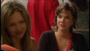Steph Scully, Lyn Scully in Neighbours Episode 4952