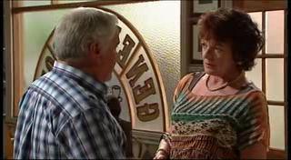 Lou Carpenter, Mishka Schneiderova in Neighbours Episode 4954