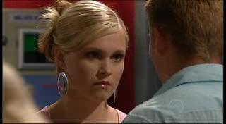 Janae Timmins, Boyd Hoyland in Neighbours Episode 4954