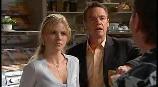 Elle Robinson, Paul Robinson in Neighbours Episode 4955